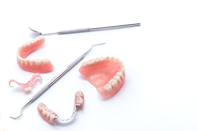 義歯(部分入れ歯)