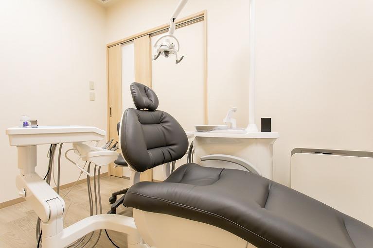 歯の黄ばみが気になる方は鴫野でホワイトニング治療をする鴫野駅前むらかみ歯科クリニック